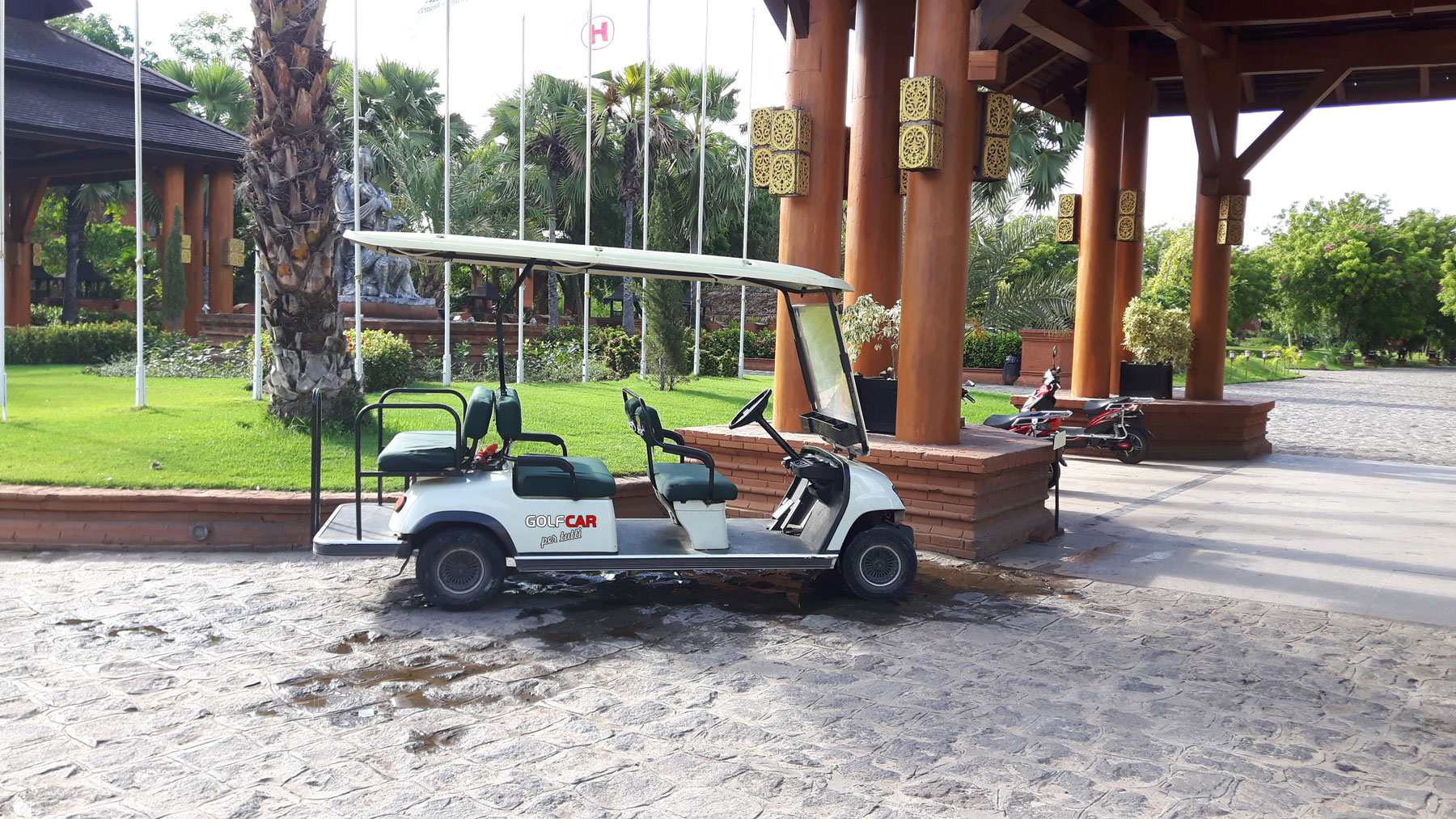 Golf car sei posti per hotel